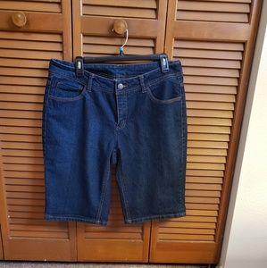 Women's sz 14 denim Bermuda shorts